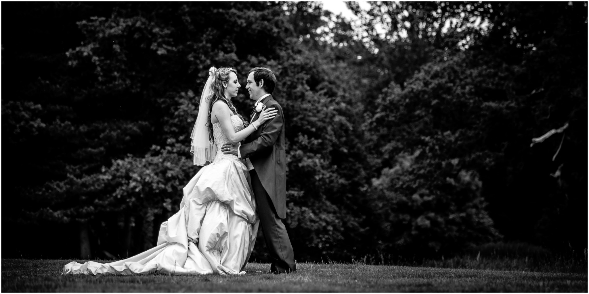 Highfield Park Wedding Photography Bride & Groom