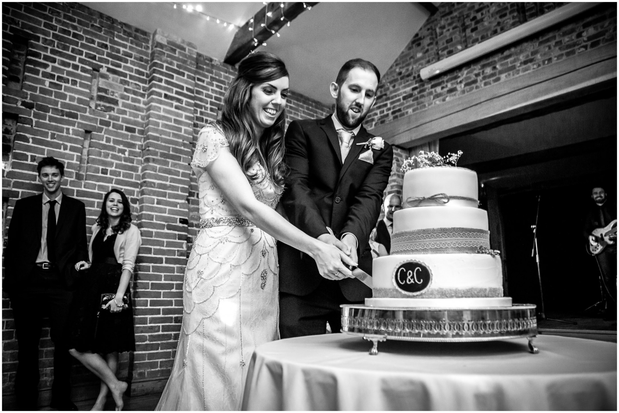 Wasing Park Wedding Photography Cutting the Cake