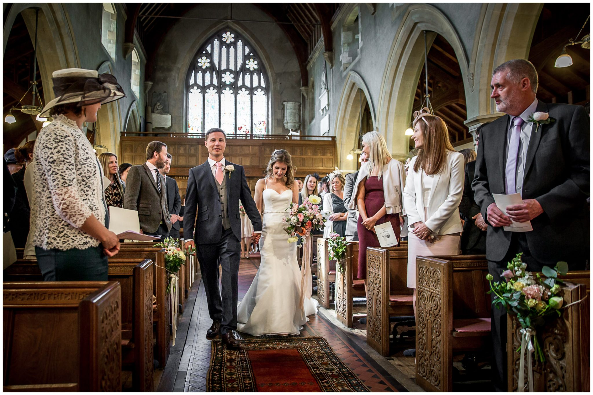 Bride and groom arrive at Twyford church and walk down the aisle