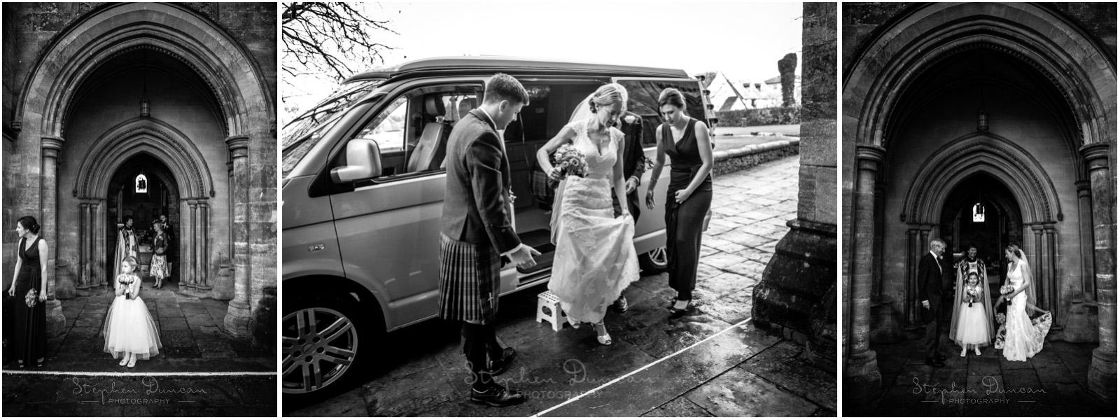 Romsey Abbey wedding photographer bride arrives