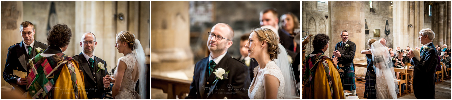 Romsey Abbey wedding photographer making the vows