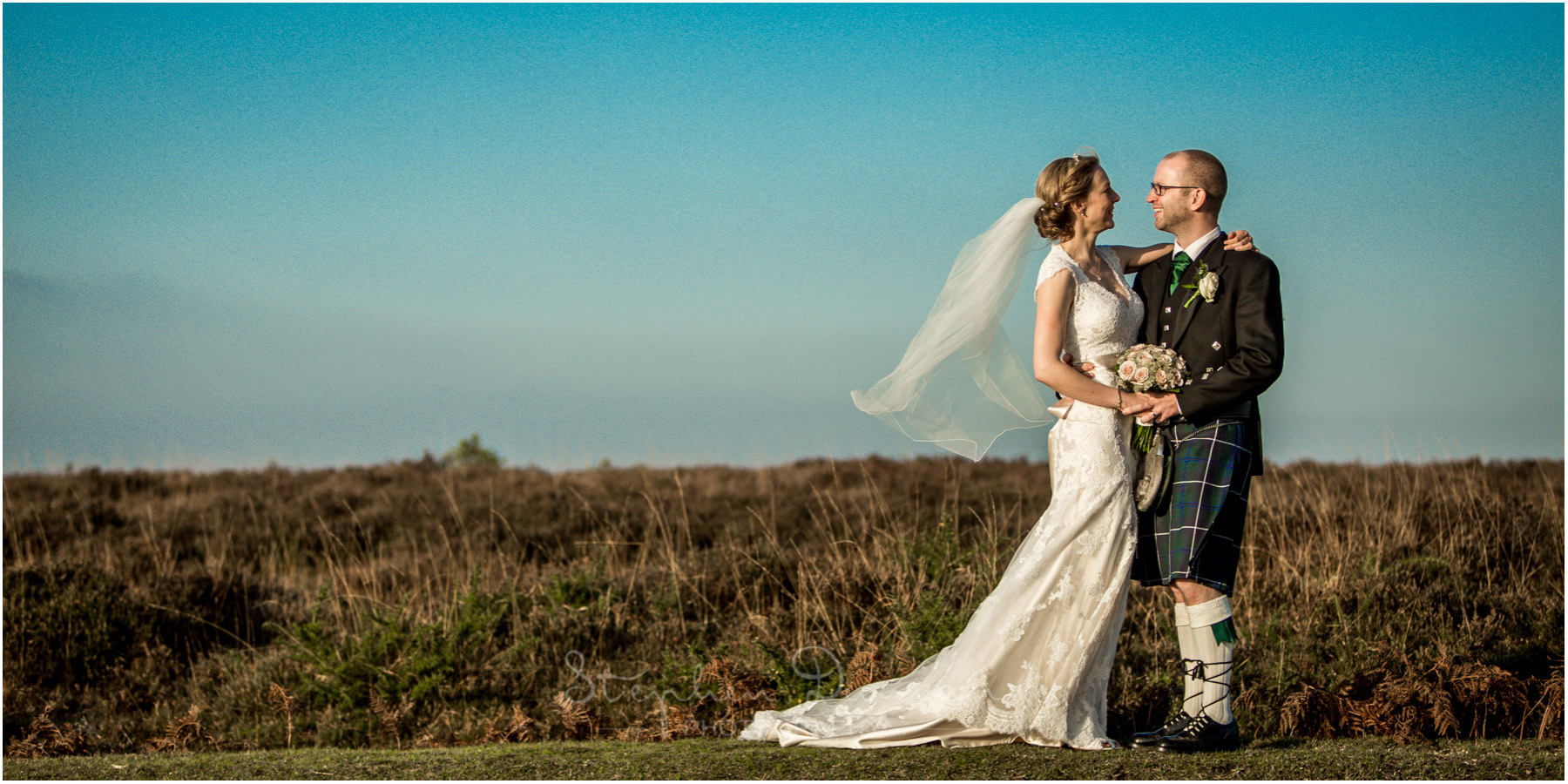 Romsey Abbey wedding photographer couple portraits in new forest