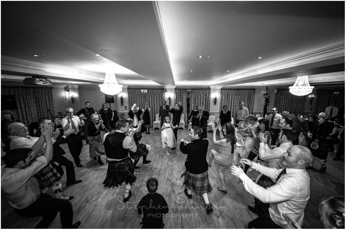 Romsey Abbey wedding photographer ceilidh