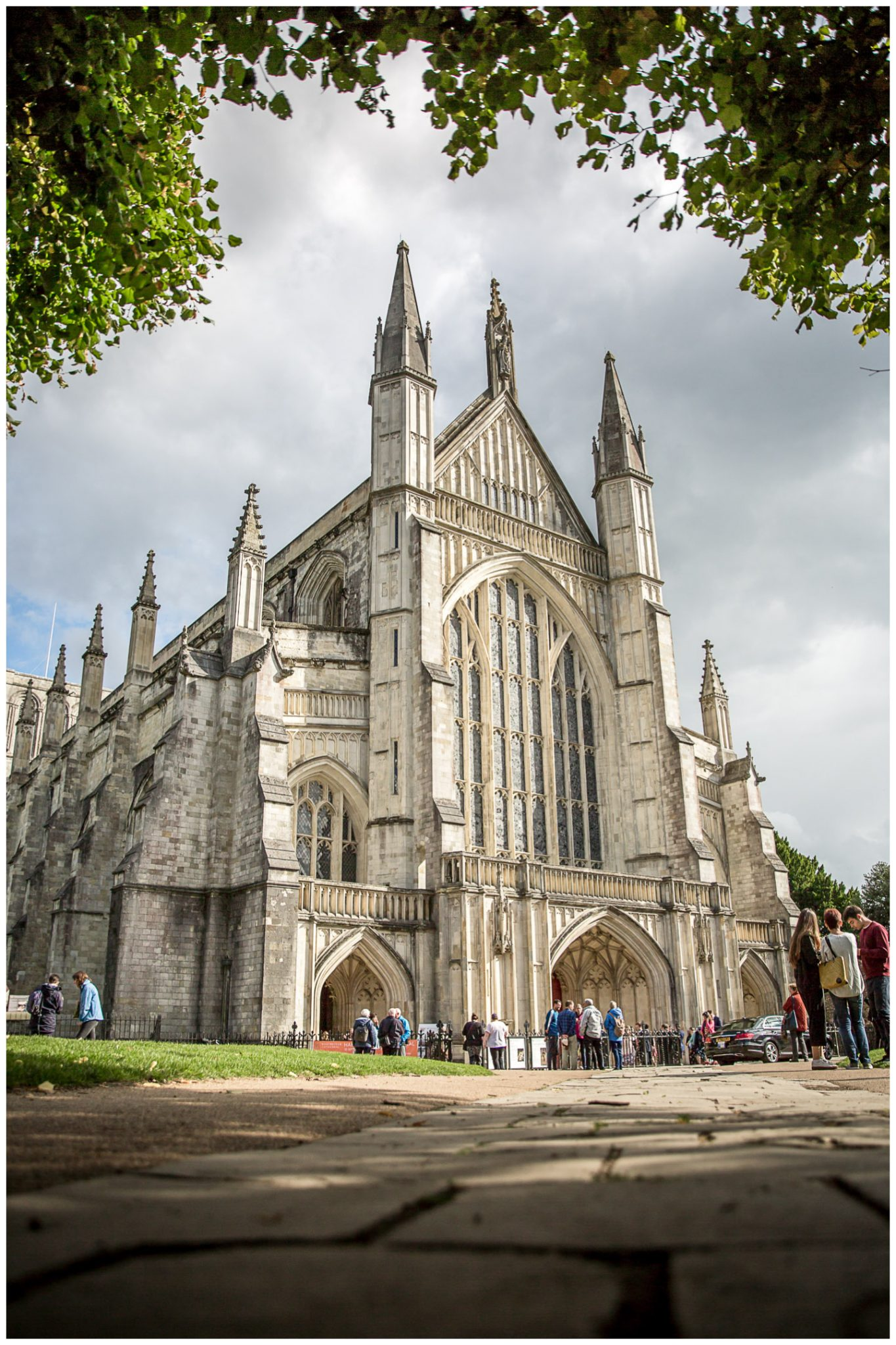 winchester cathedral wedding photography cathedral exterior in sunshine