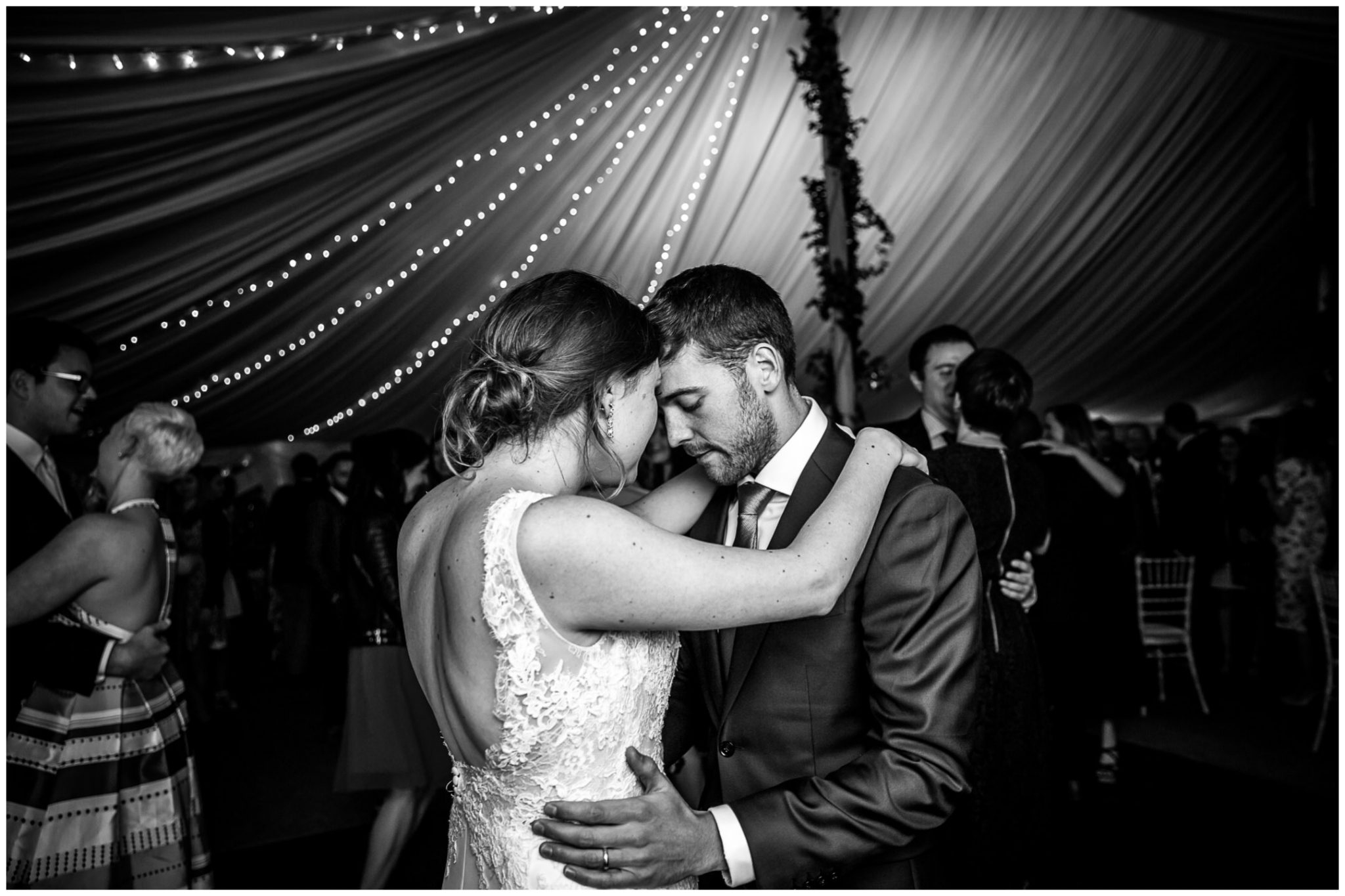 Old Alresford Place wedding photography first dance